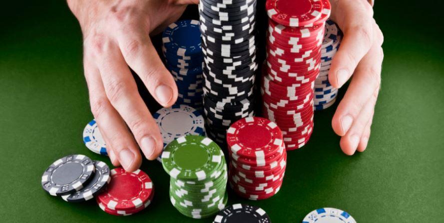 Susunan Kartu Terbesar Dalam Permainan Poker Online